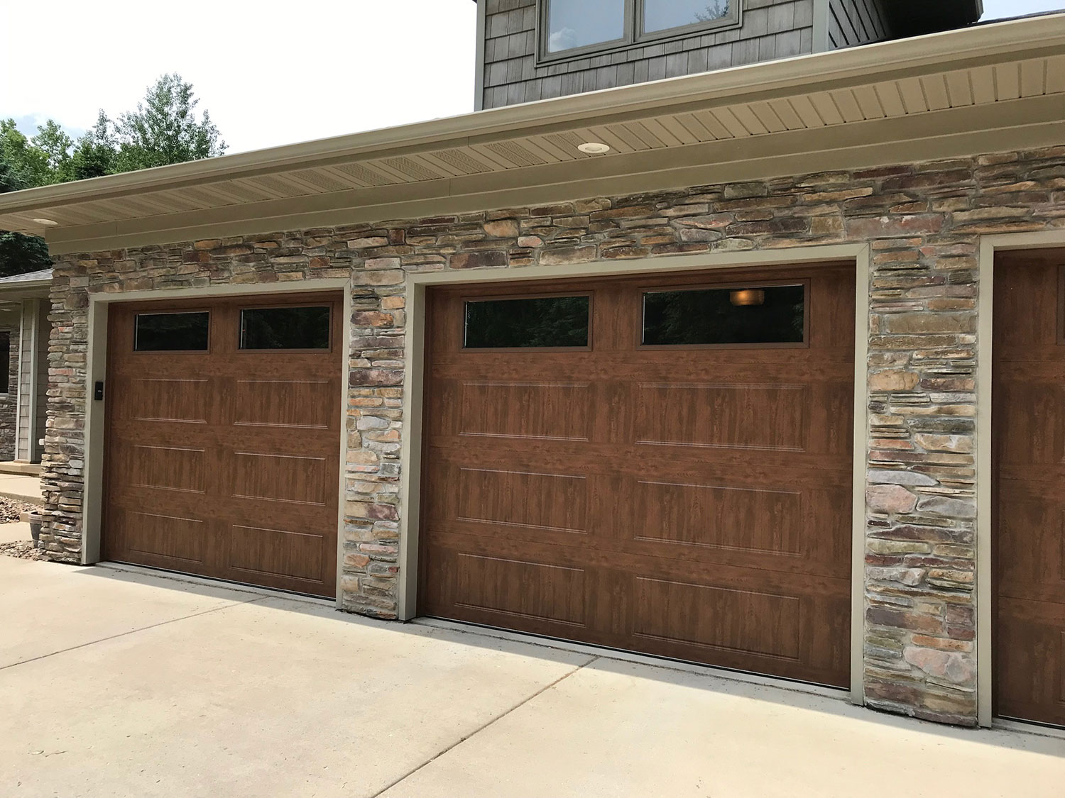 Scray Enterprises Green Bay Wi Garage Door Service